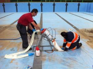 Reparacion de tuberias con el sistema de manga en piscinas